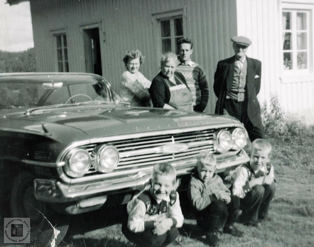 Tre generasjoner Håland med nyinnført dollarglis. Grindheim Audnedal.