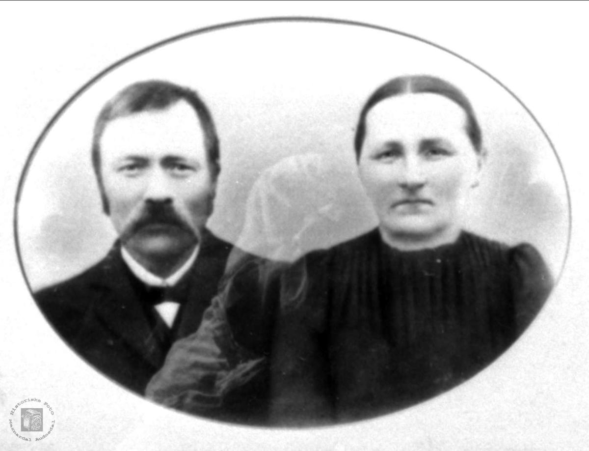 Portrett av Tellef og Anna Moland, Bjelland.