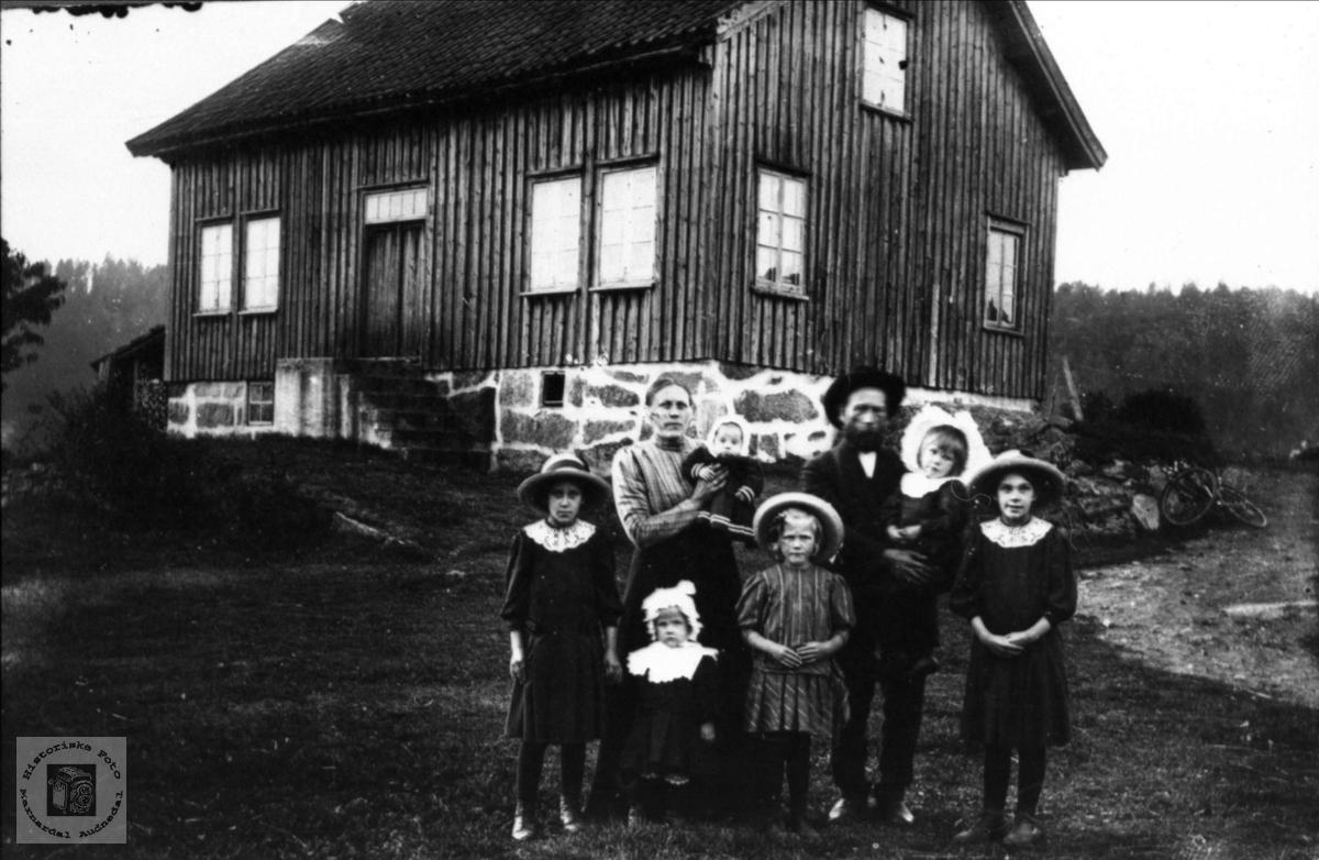 Familiegruppe Sløgedal, Ausland, Repstad, Røkking og Follerås.