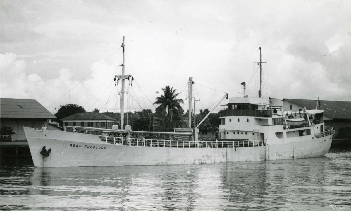 M/S Arne Presthus (Ex. Korvett-D/S Action)(b.1943, Kingston Shipbuilding Co.Ltd., Kingston, Ontario)