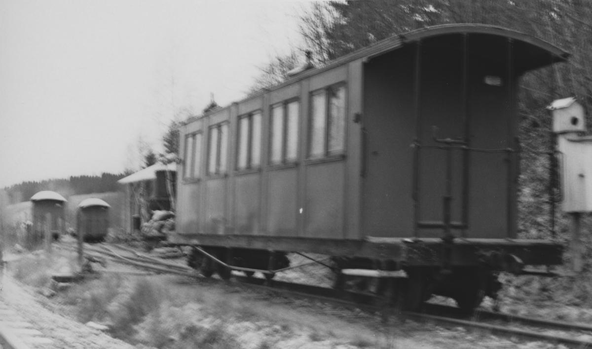 Personvogn Co 1 på Bingsfoss stasjon.