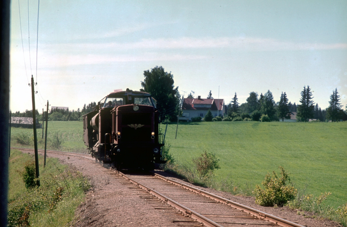 Skift til Lena / Skreia med dieselhydraulisk lokomotiv type Di 2.