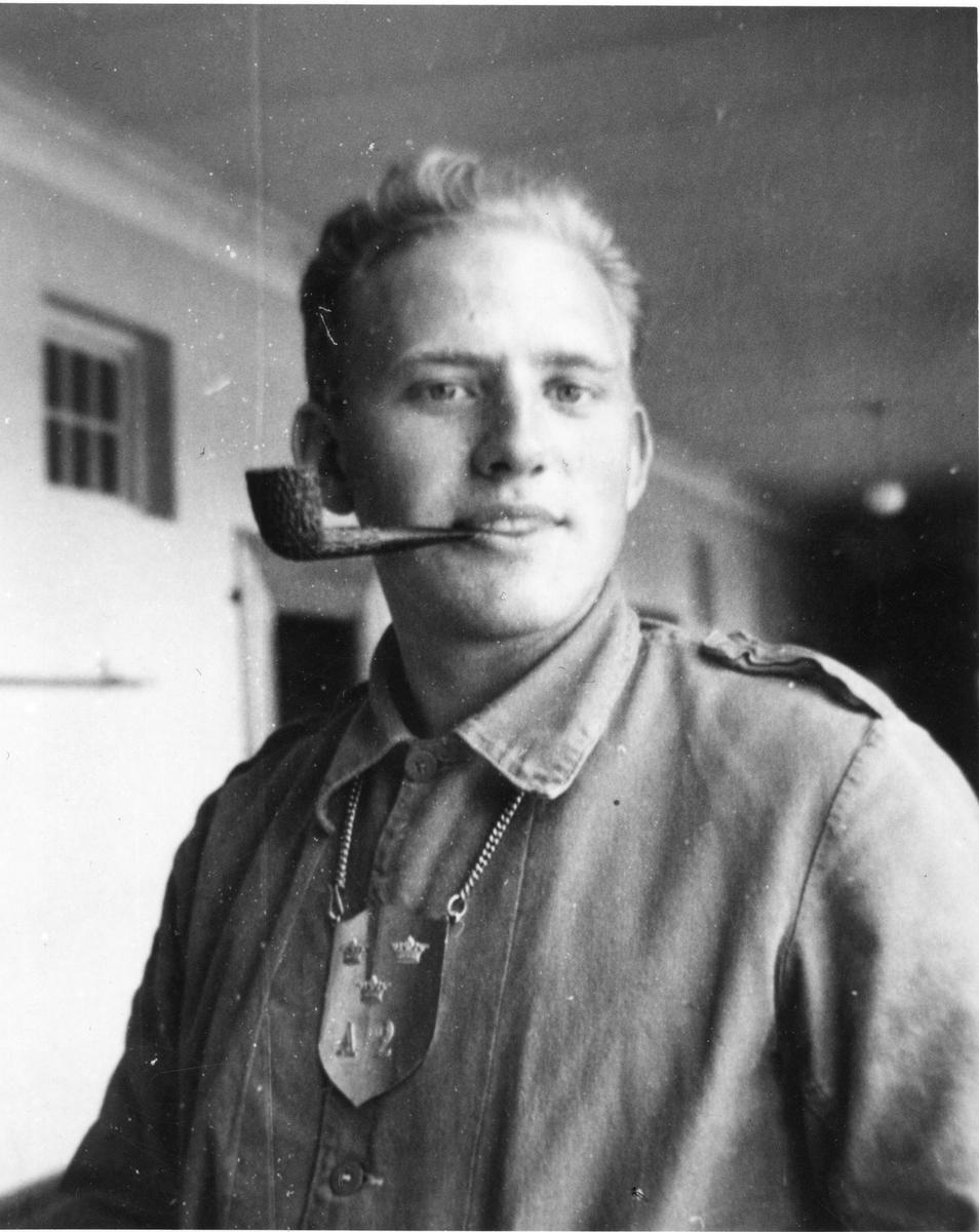 Värnplikt tjänstegör som dagvakt vid Göta artilleriregemente A2.