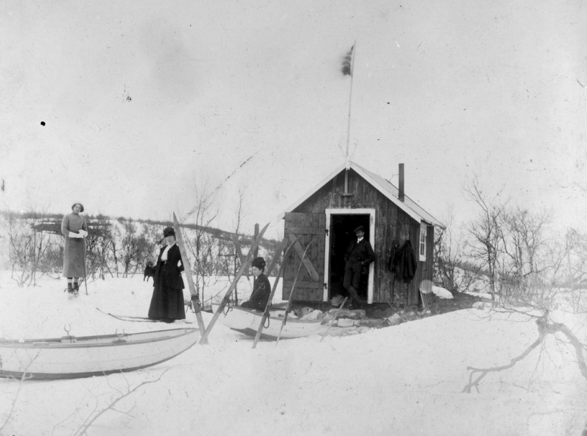 Pinsedag 1912. På ski til Mygga.