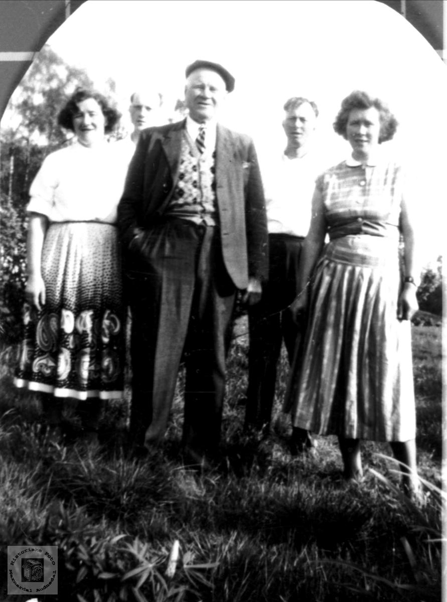 Elling Stedjan med familie