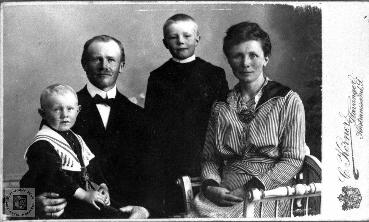 Familiebilde Bjerland