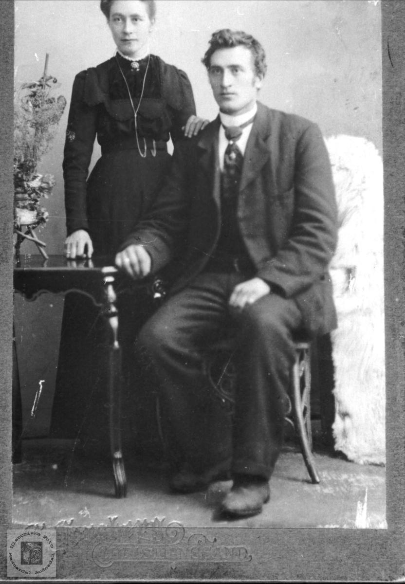 Ektepar. Guri og Ole N. Sveinall.