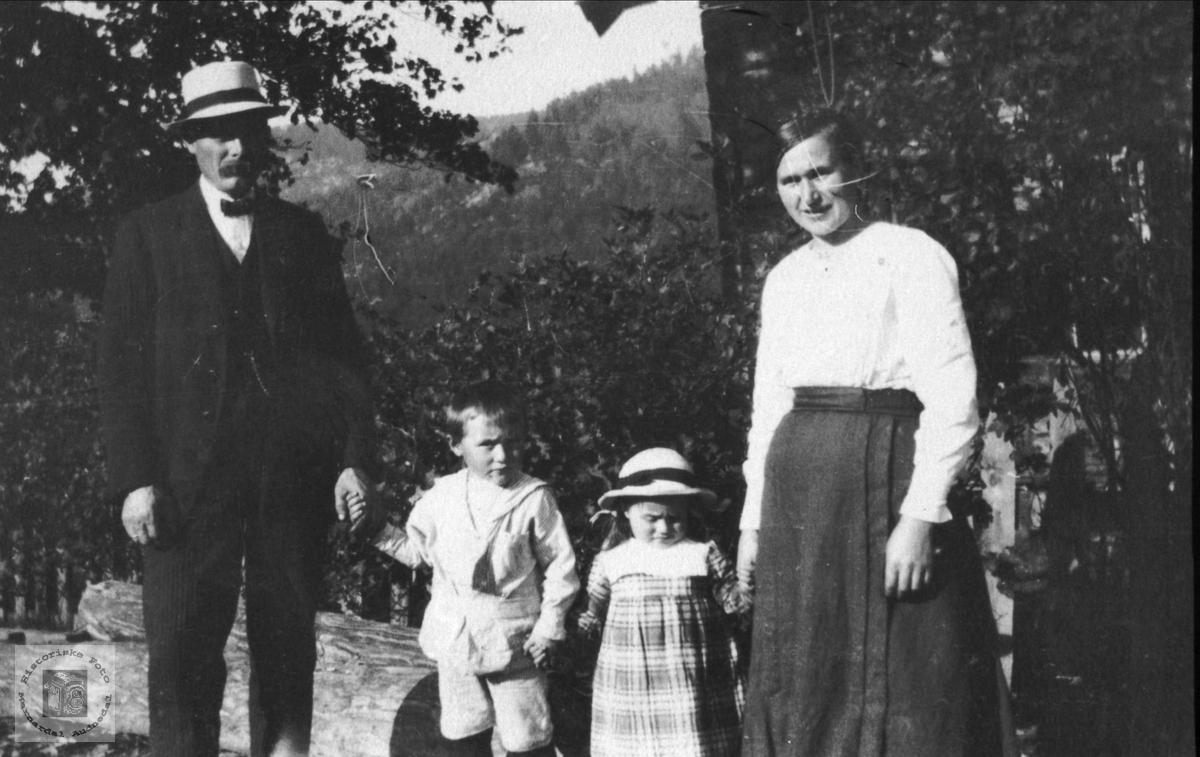 Familiegruppe, Mjålans.