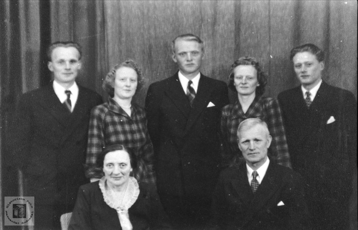 Familiegruppe. Familien Gunstein Fidje.