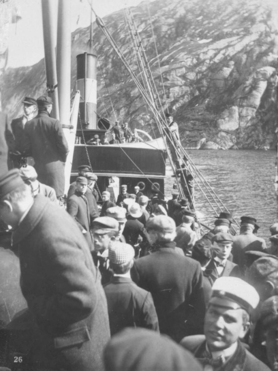 """I Troldfjorden."""