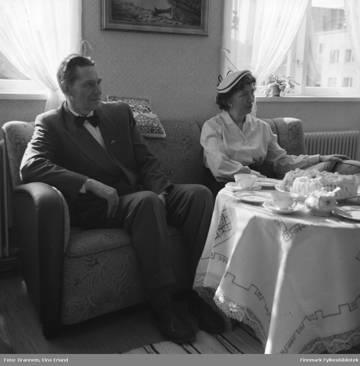 Ekteparet Olsen på besøk hos familien Drannem i Tollboden i Hammerfest