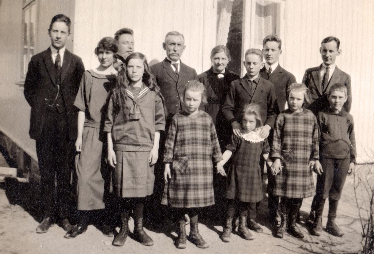 Familien Dammerud på Ringvold på Bjørkelangen