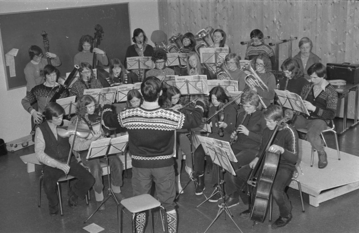 Tynset ungdomsorkester, øving