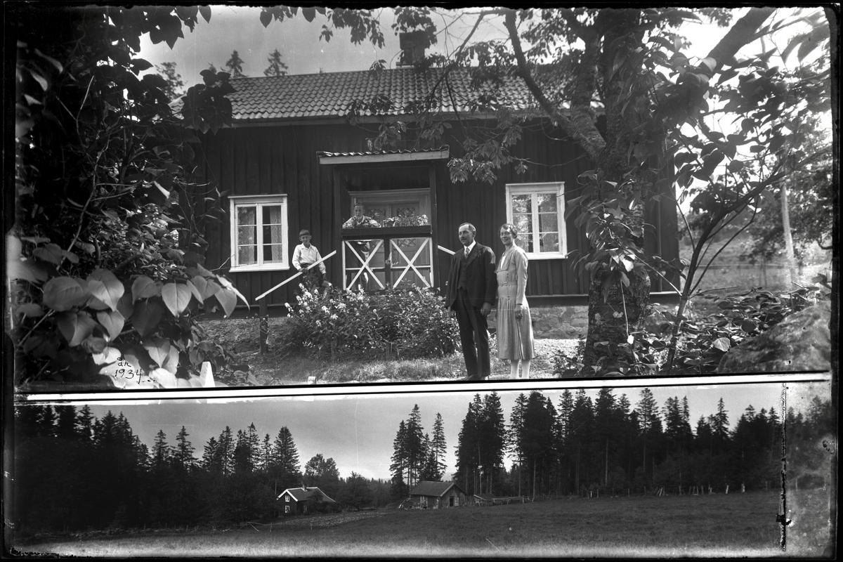 Familj framför bostadshus