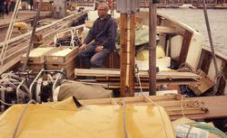 Felt 1967. Hjemtransport med Erik Vea. Fortøyning med last b
