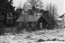 Uthus, Lörsta 1:2, Uppsala-Näs socken, Uppland 1984