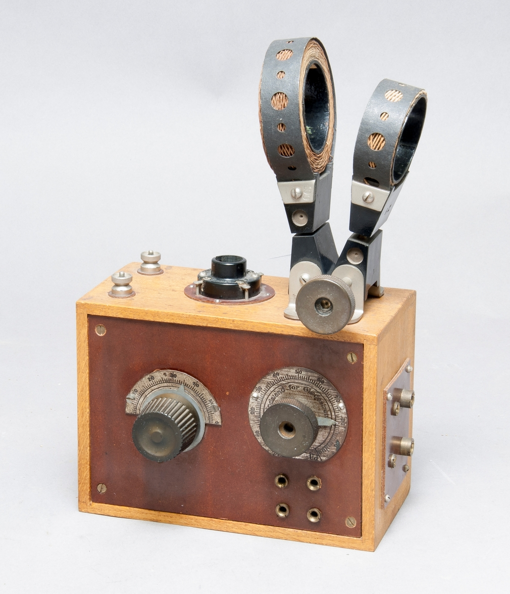 Radiomottagare med dvärgvakuumdetektor och honeycombspolar.
