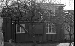 Byggnadsinventering 1972. Plåtslagaren 2. Bostadshusets gård