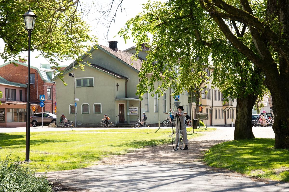 Vänersborgs museum. Sofia Edlund på höghjuling