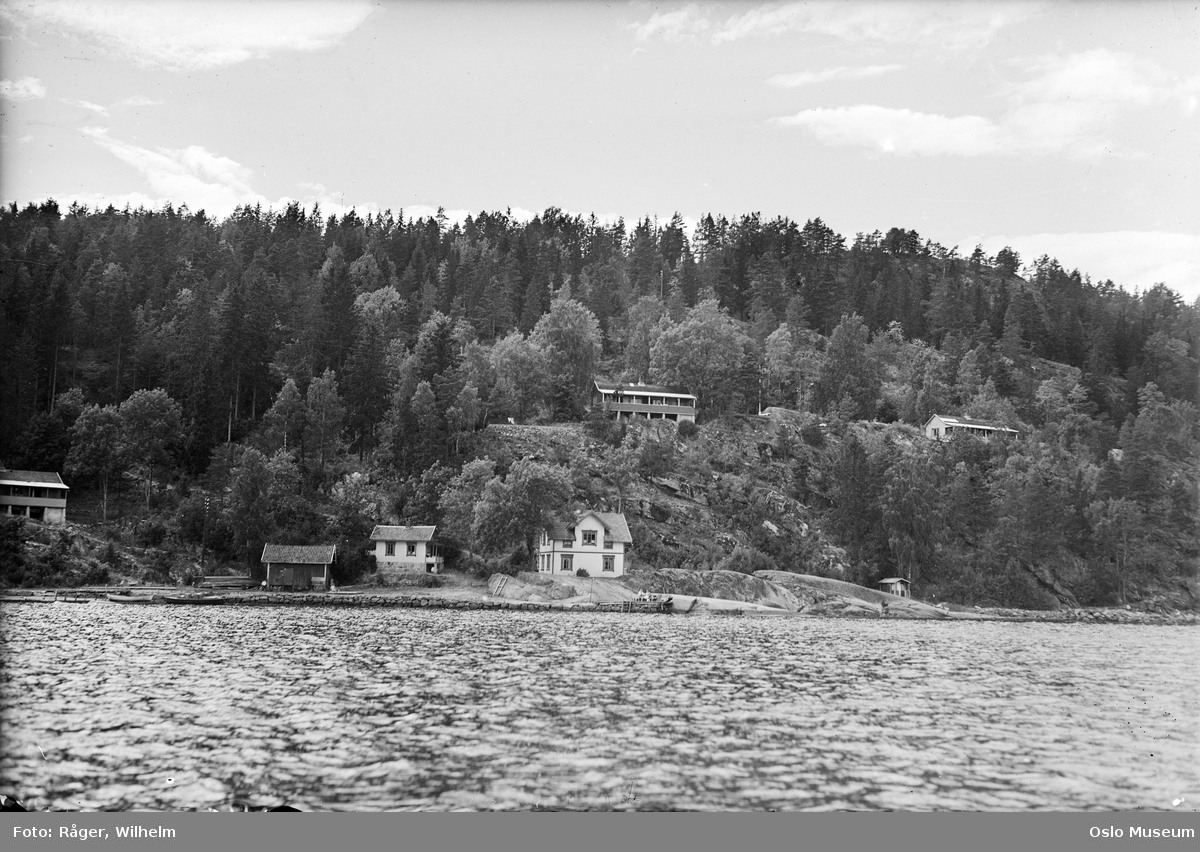 Murerforbundets feriehjem, hyttebebyggelse, skog, svaberg, fjord