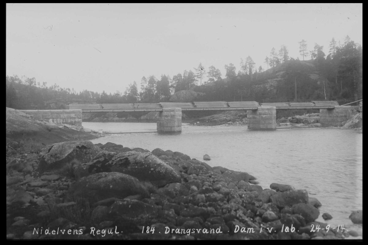 Arendal Fossekompani i begynnelsen av 1900-tallet CD merket 0446, Bilde: 19  og 20 Sted: Drangsvann dam Beskrivelse: Regulering