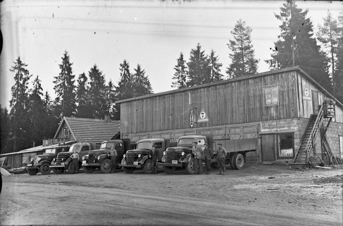 Bensinstasjon. Linderud transportfirma på Løkenvangen.