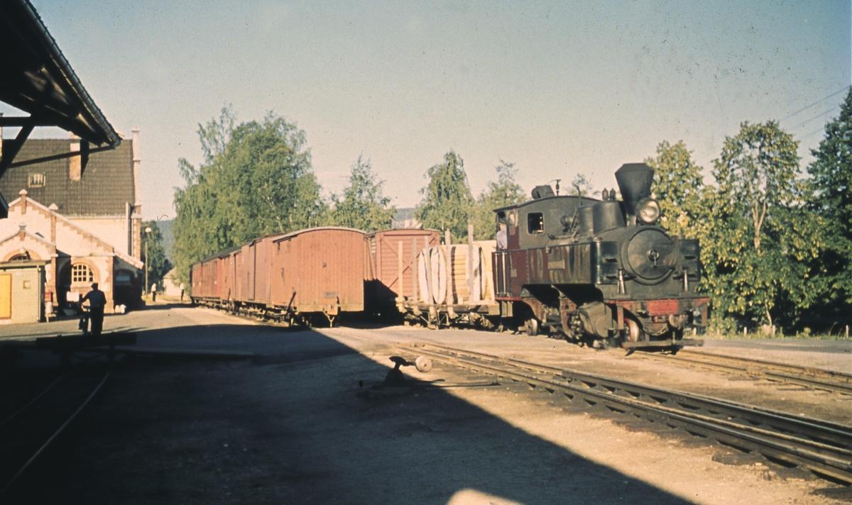 Sammeskifting av tog 2051 til Skulerud på Sørumsand stasjon