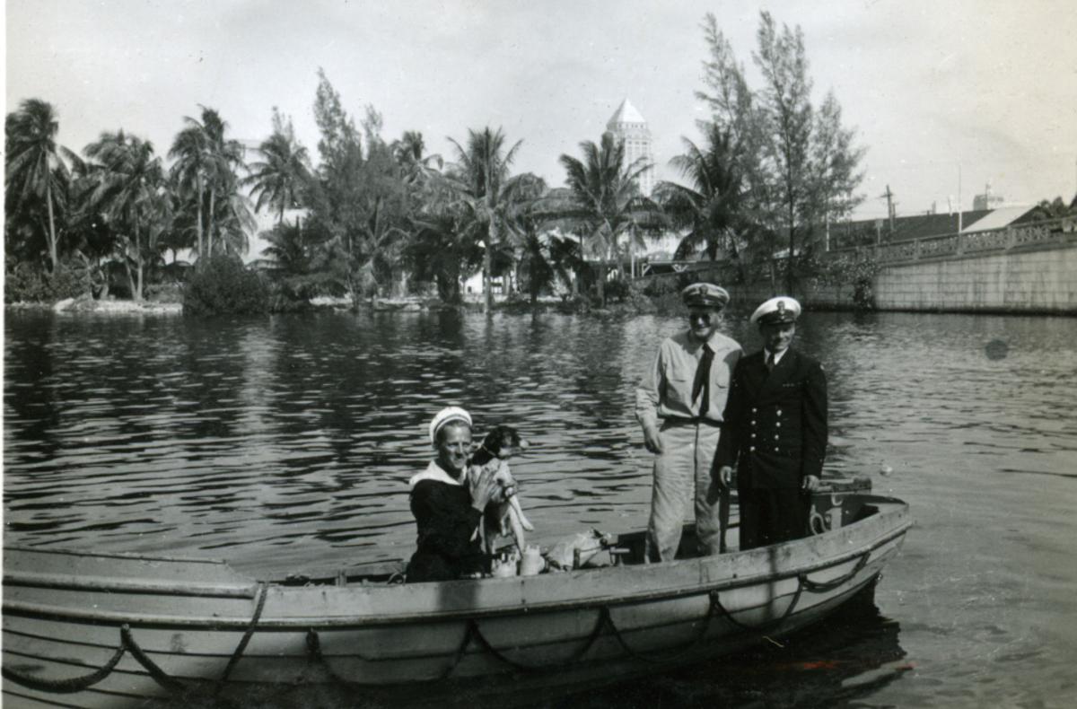 Album Ubåtjager King Haakon VII 1942-1946 Forskjellige bilder. Miami River.