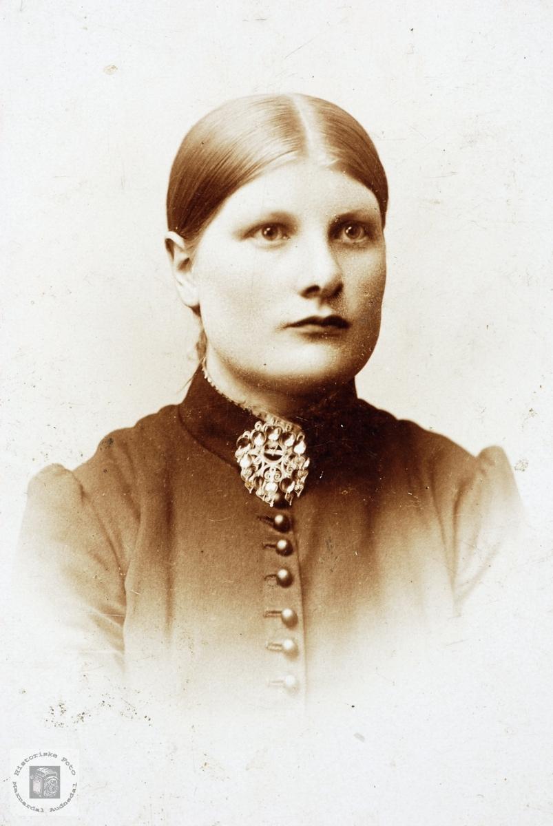 Portrett av Ingerid Ågedal. Grindheim Audnedal.