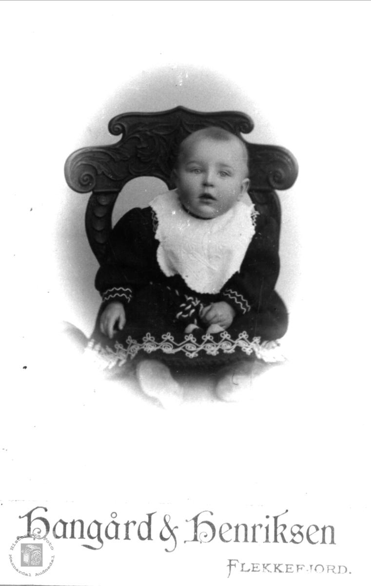 Barneportrett av Olav G. Fuglestveit, Øyslebø.