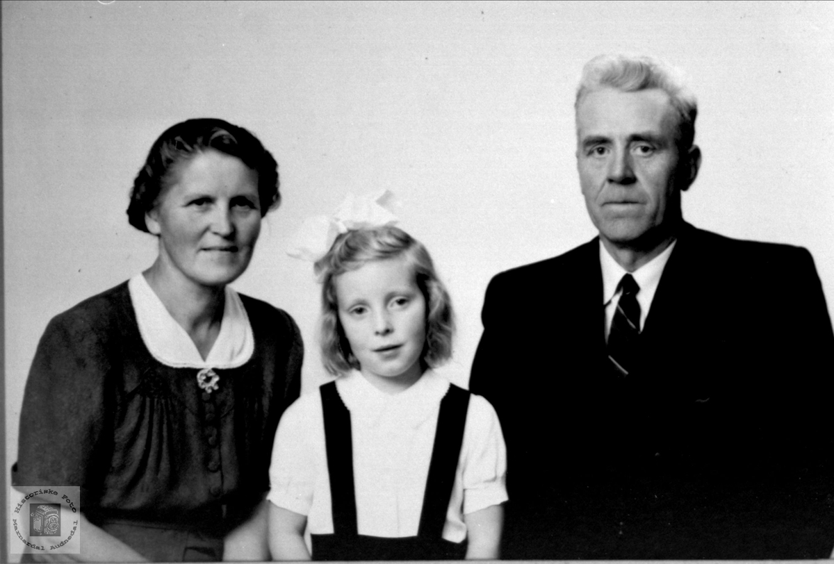 Familiegruppe Manneråk, Øyslebø.