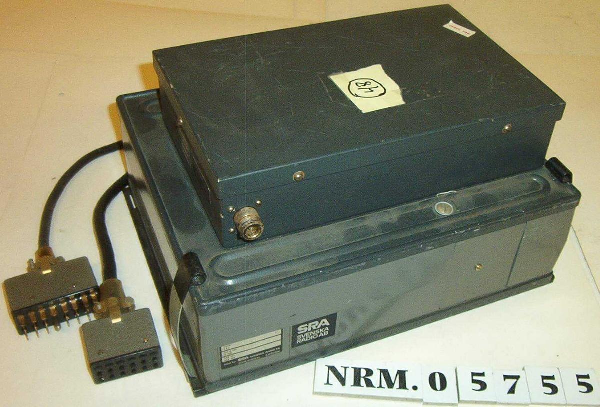 Mobil/kjøretøymontert radio m/antennefilter