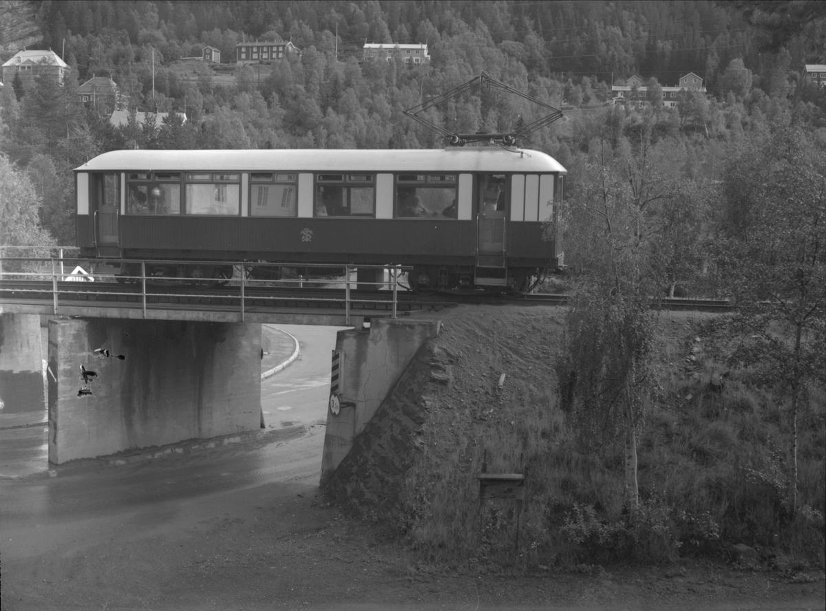 Kongevogn ved undergang, Løkken sentrum. Thamshavnbanen.