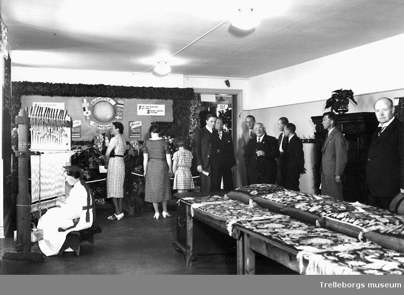 """Utställningar """" vår tid"""" Hemslöjden utställer 1938 negativ Johnsson 13420."""