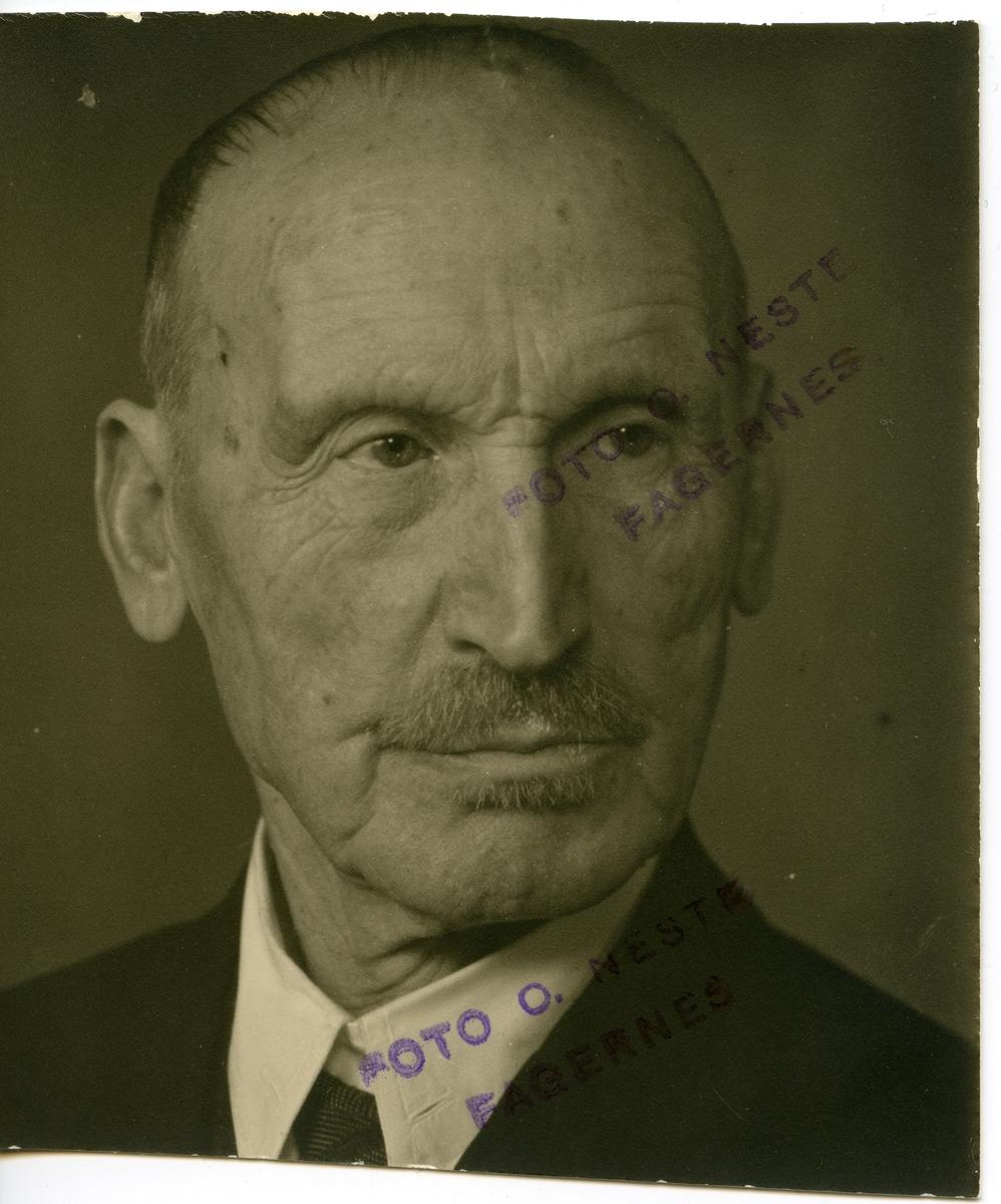 Portrett av Olaus Islandsmoen.