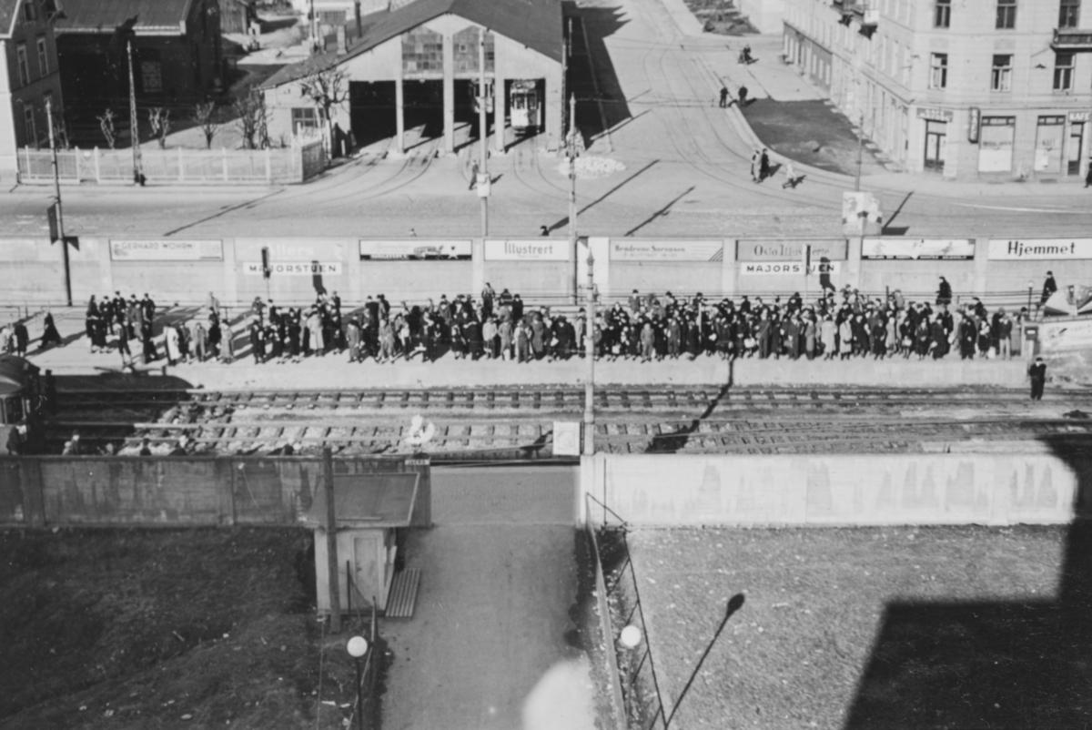 Tunnelen for undregrunnsbanen ble brukt som tilfluktsrom. Majorstuen var utgangsstasjon.