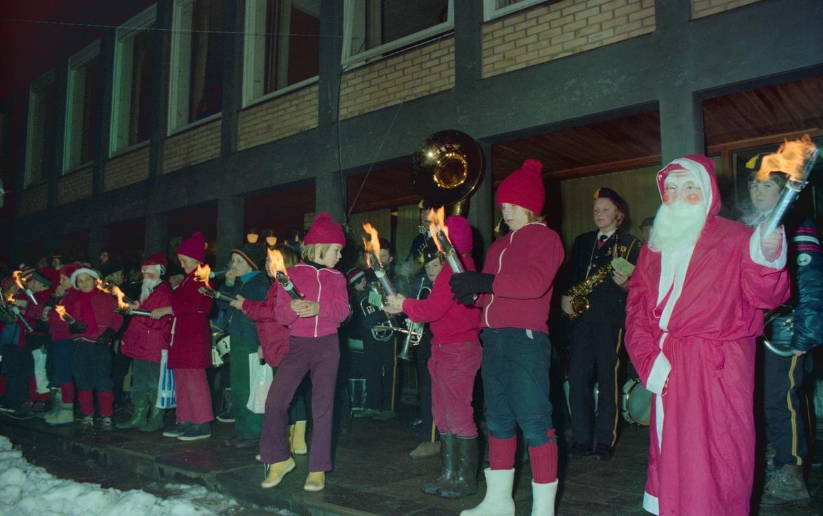Åpning av julegata i Strømmen ved Strømmen Rådhus