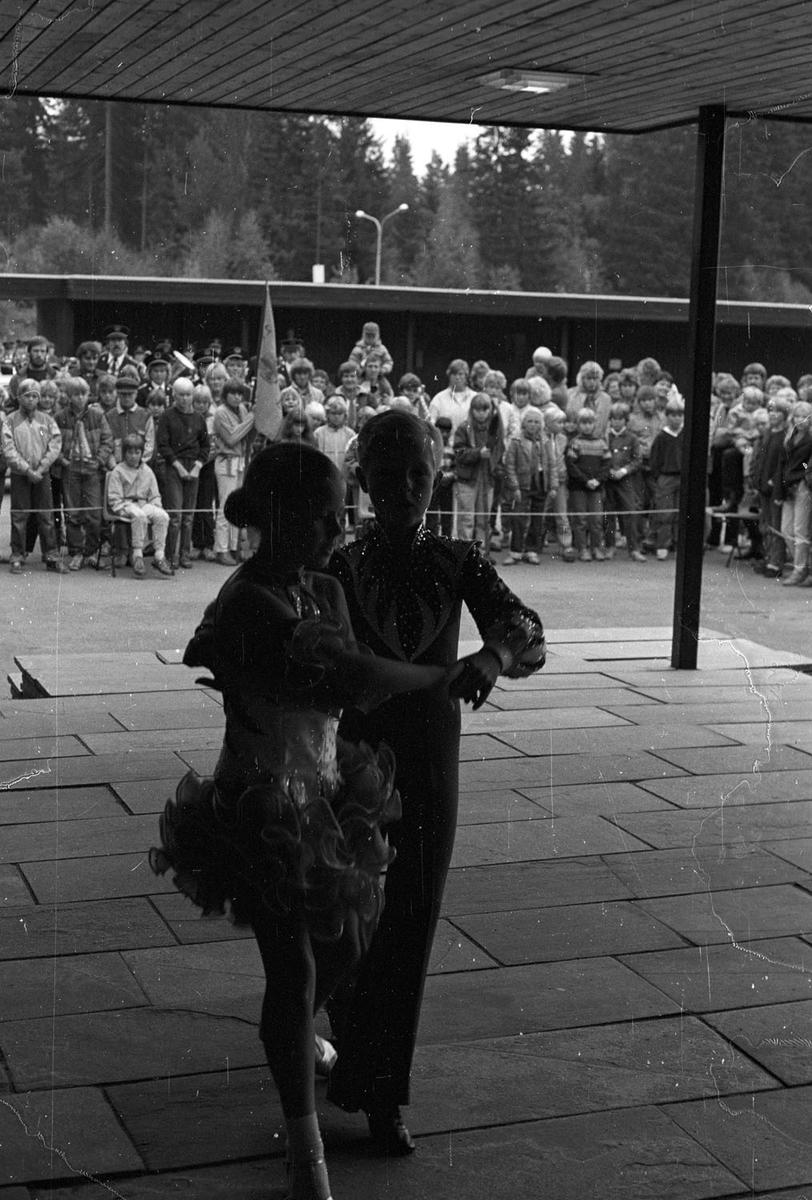 Dansere på Speidernes Dag 1984