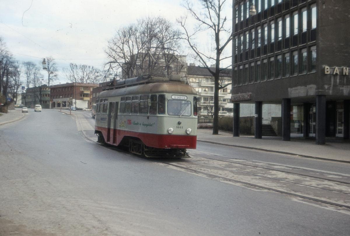 Ekebergbanens sporvogn 1003 ved Skøyen.