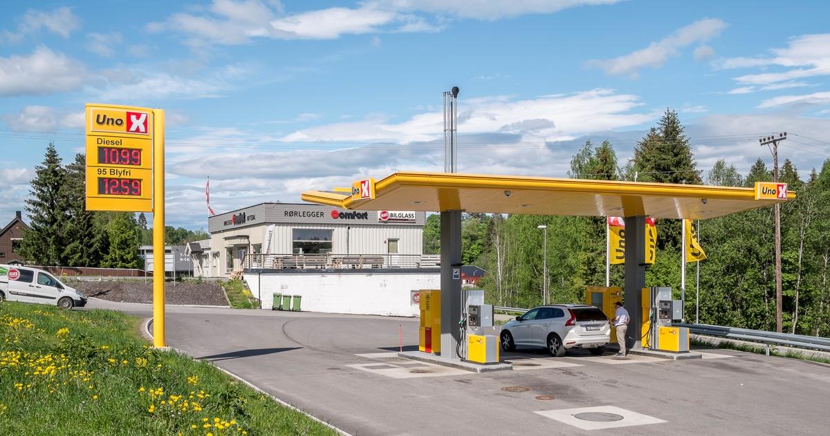 Uno X bensinstasjon Bjertnestangen Nittedal