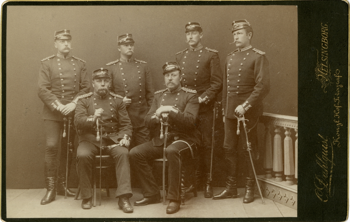Grupporträtt av officerare vid Norra skånska regemente I 6.