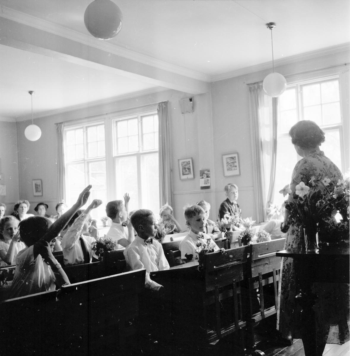 Skolavslutning i landskommunen. 1955