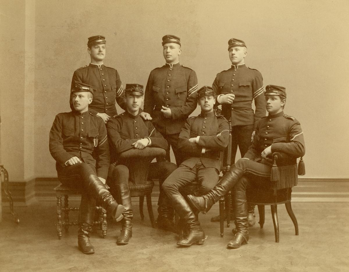 Grupporträtt av officersaspiranter vid Göta artilleriregemente A 2 i Göteborg 1901-1902.