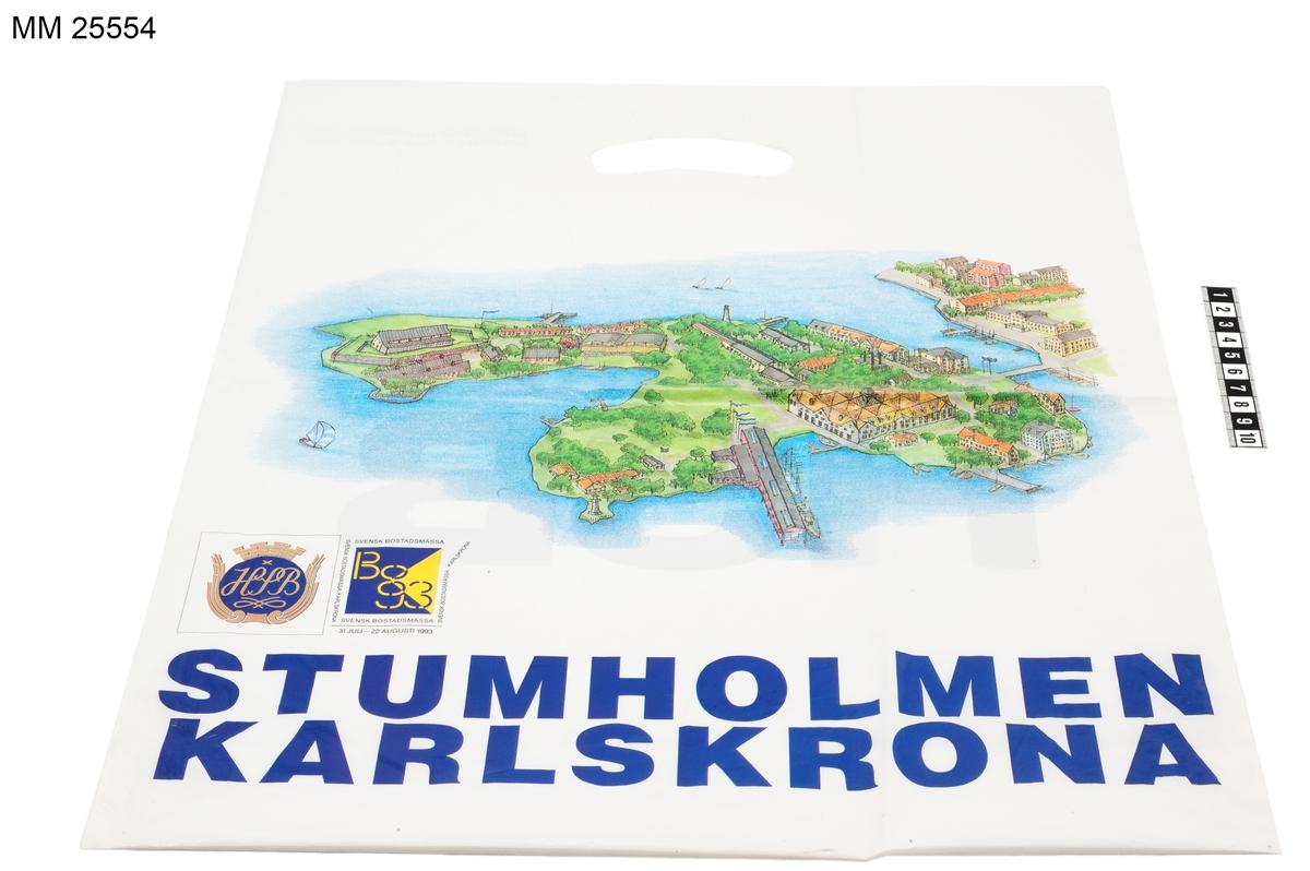 Byggnaden är ett museum med inriktning på den svenska marinens historia. Den har en långsträckt form med sadeltak och är placerad på en 145 meter lång pir ut i vattnet.