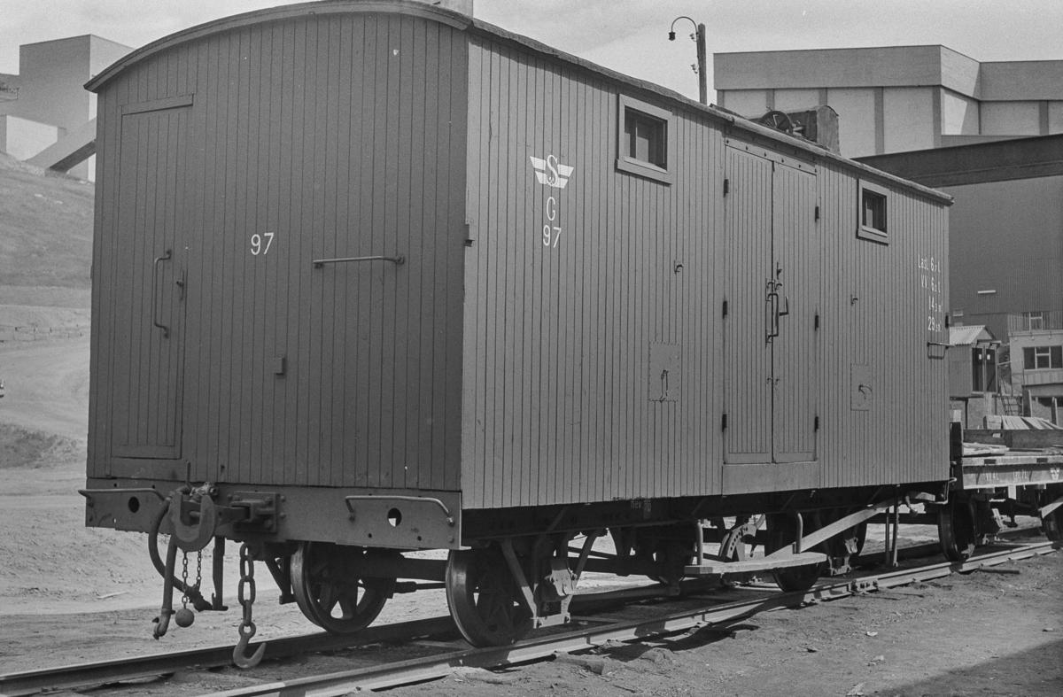 Sulitjelmabanens godsvogn G 97 på Lomi.