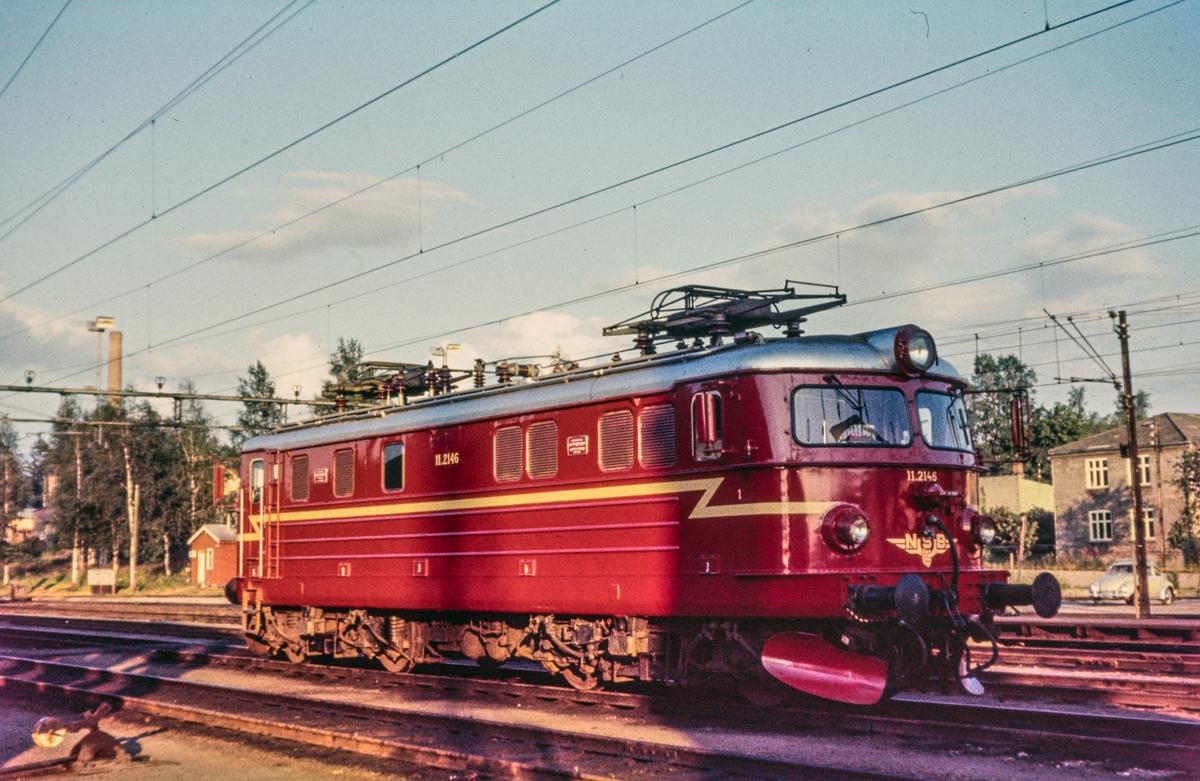 Elektrisk lokomotiv El 11 2146 på Kongsvinger stasjon.