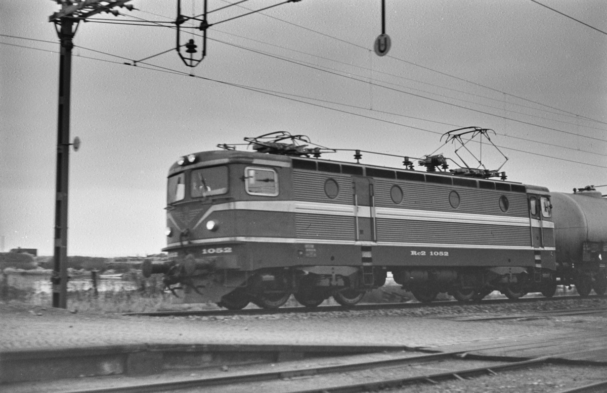 Svensk elektrisk lokomotiv type Rc 2 nr. 1052 i Ângelholm i Sverige.