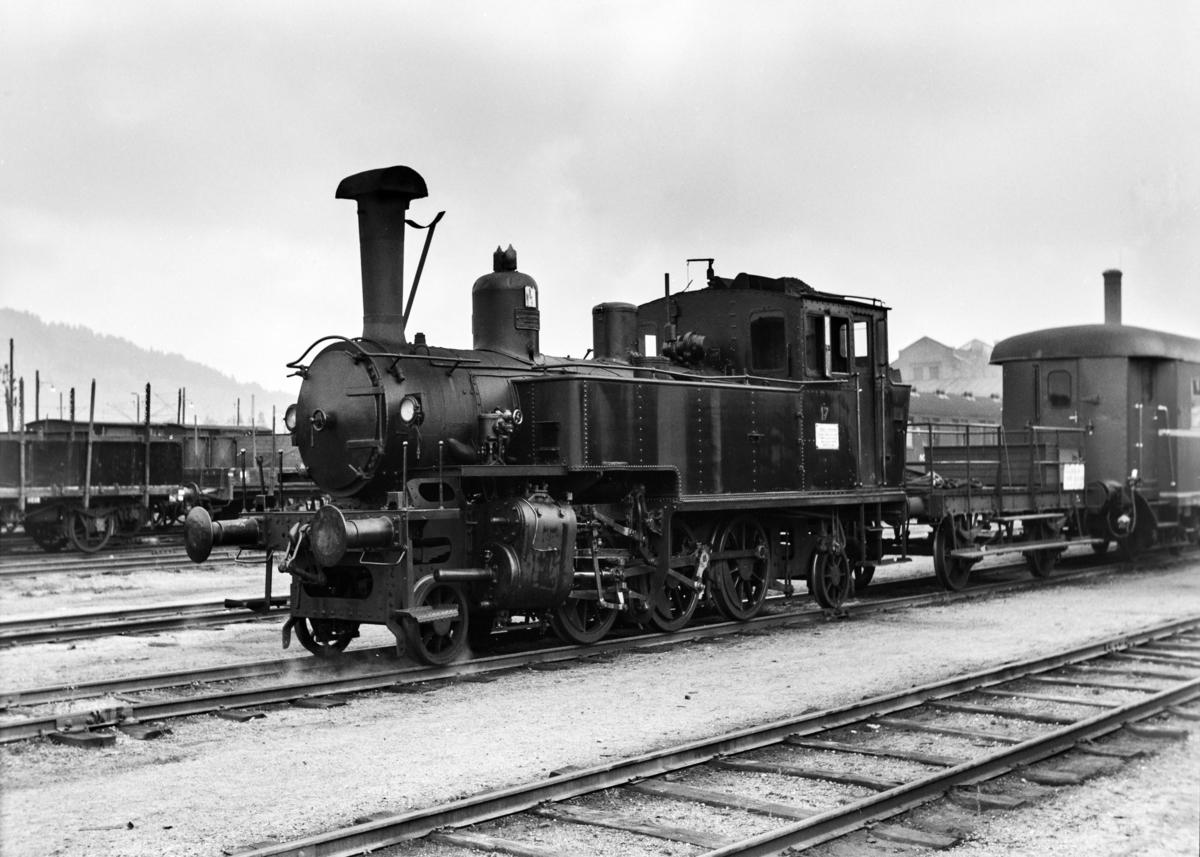 Damplokomotiv type 50a 17 i skiftetjeneste på Sundland ved Drammen.