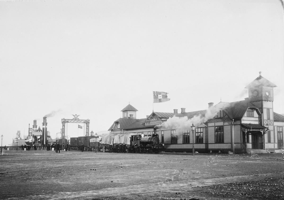Statens Järnvägar, SJ Lok 165. Malmö ångfärjestation, DSB:s färja KJØBENHAVN byggt 1895 på Burmeister & Wain.