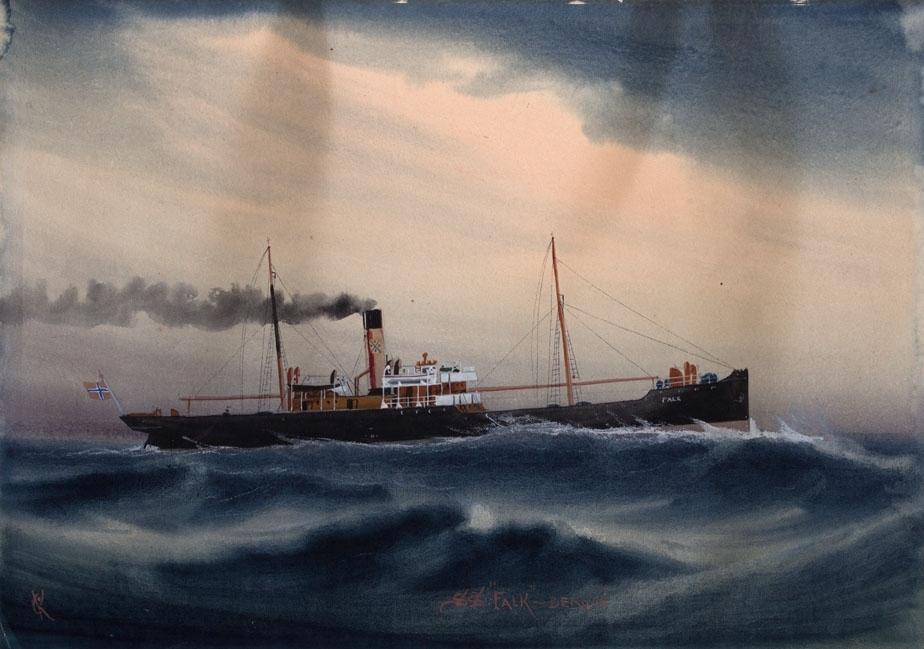 Skipsportrett av dampskipet FALK under fart i åpen sjø. Norsk flagg akter.
